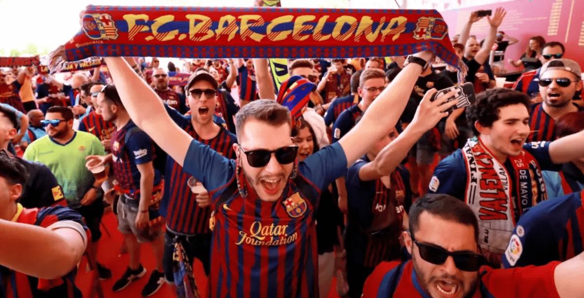 Фанаты «Барселоны» запустили ночью фейерверк перед отелем, где живут игроки «ПСЖ»