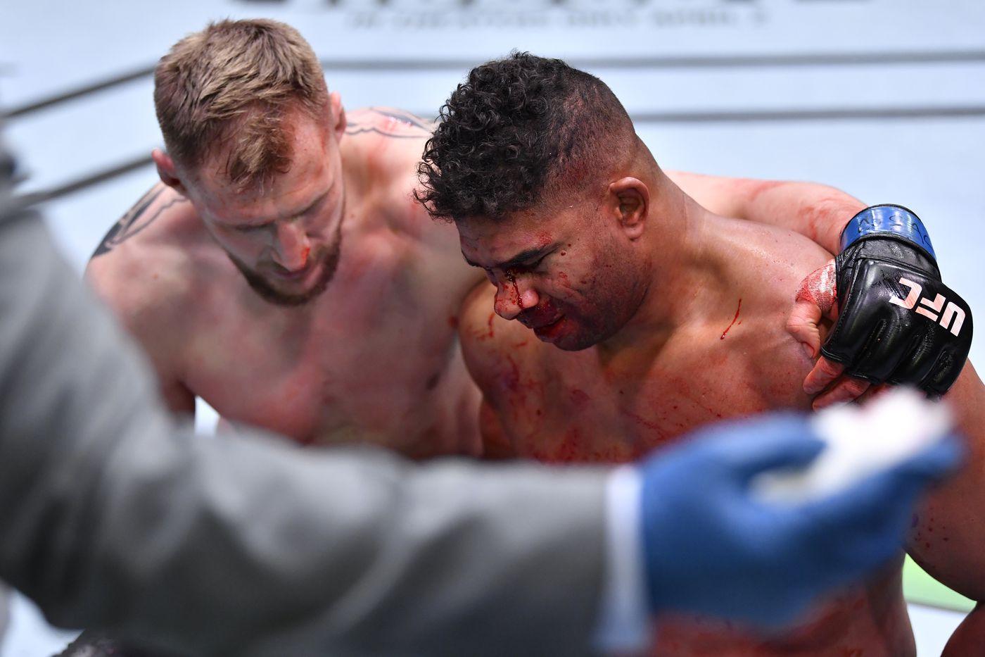 Sports Daily назвал гонорар Волкова за победу над Оверимом в UFC