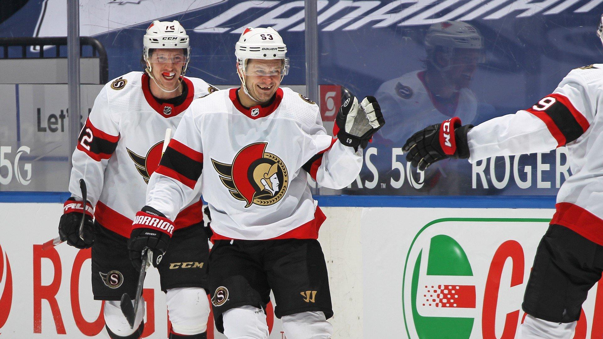 Дадонов признан первой звездой игрового дня в НХЛ