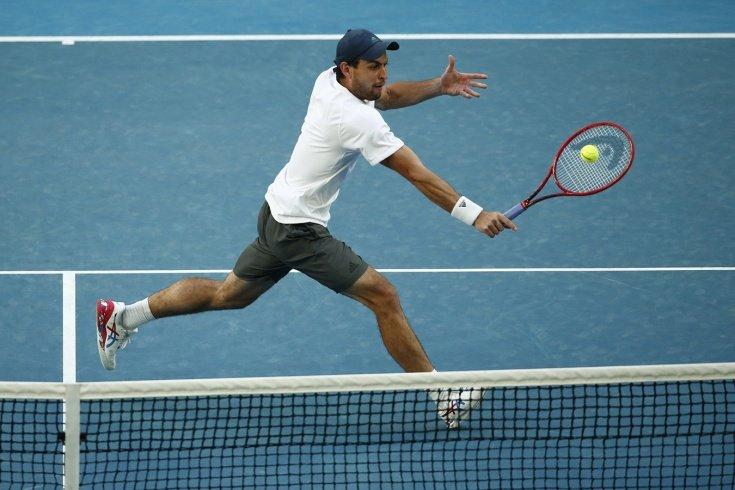Карацев вышел в четвертьфинал Australian Open