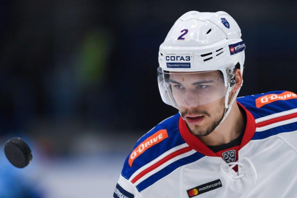 Защитник «Оттавы» Зуб отметился передачей в дебютном матче в НХЛ с «Эдмонтоном»