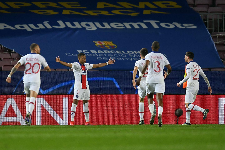 Хет-трик Мбаппе помог «ПСЖ» крупно обыграть «Барселону» в Лиге чемпионов