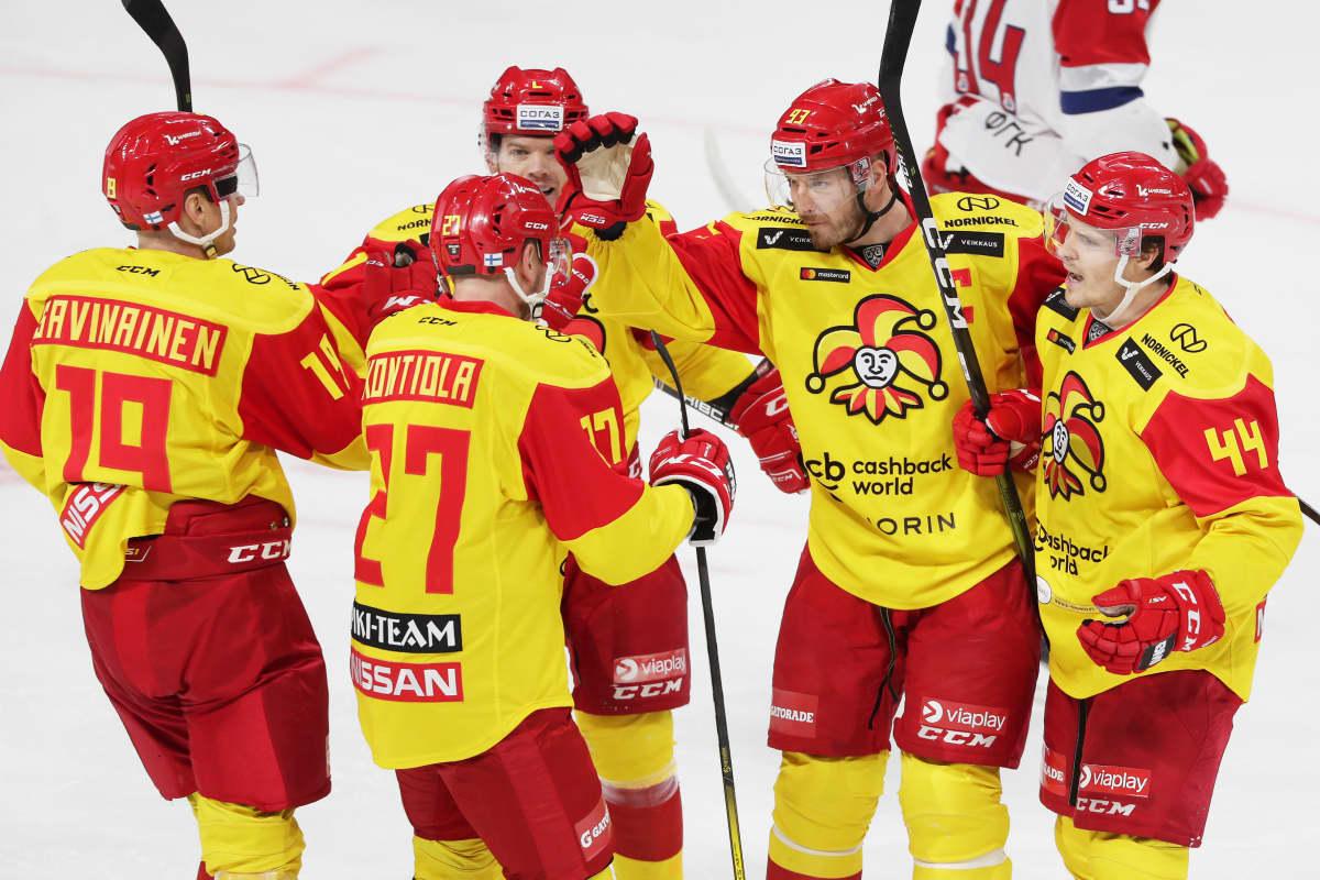 «Йокерит» прервал десятиматчевую победную серию «Металлурга» в КХЛ