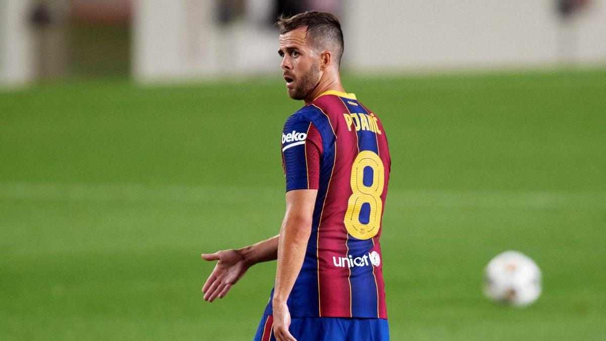 «Барселона» сообщила о травмах Деста, Пьянича и Брейтуэйта