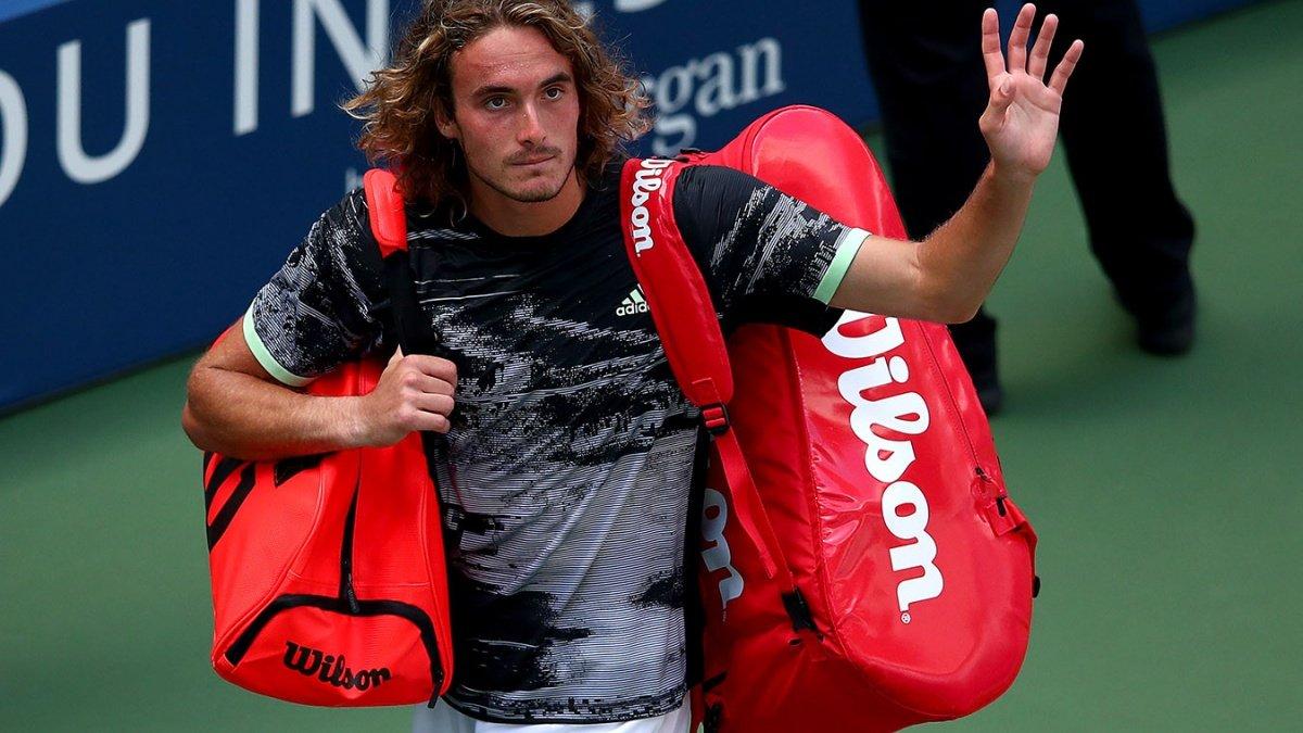 Циципас без борьбы вышел в четвертьфинал Australian Open, где сыграет с Надалем
