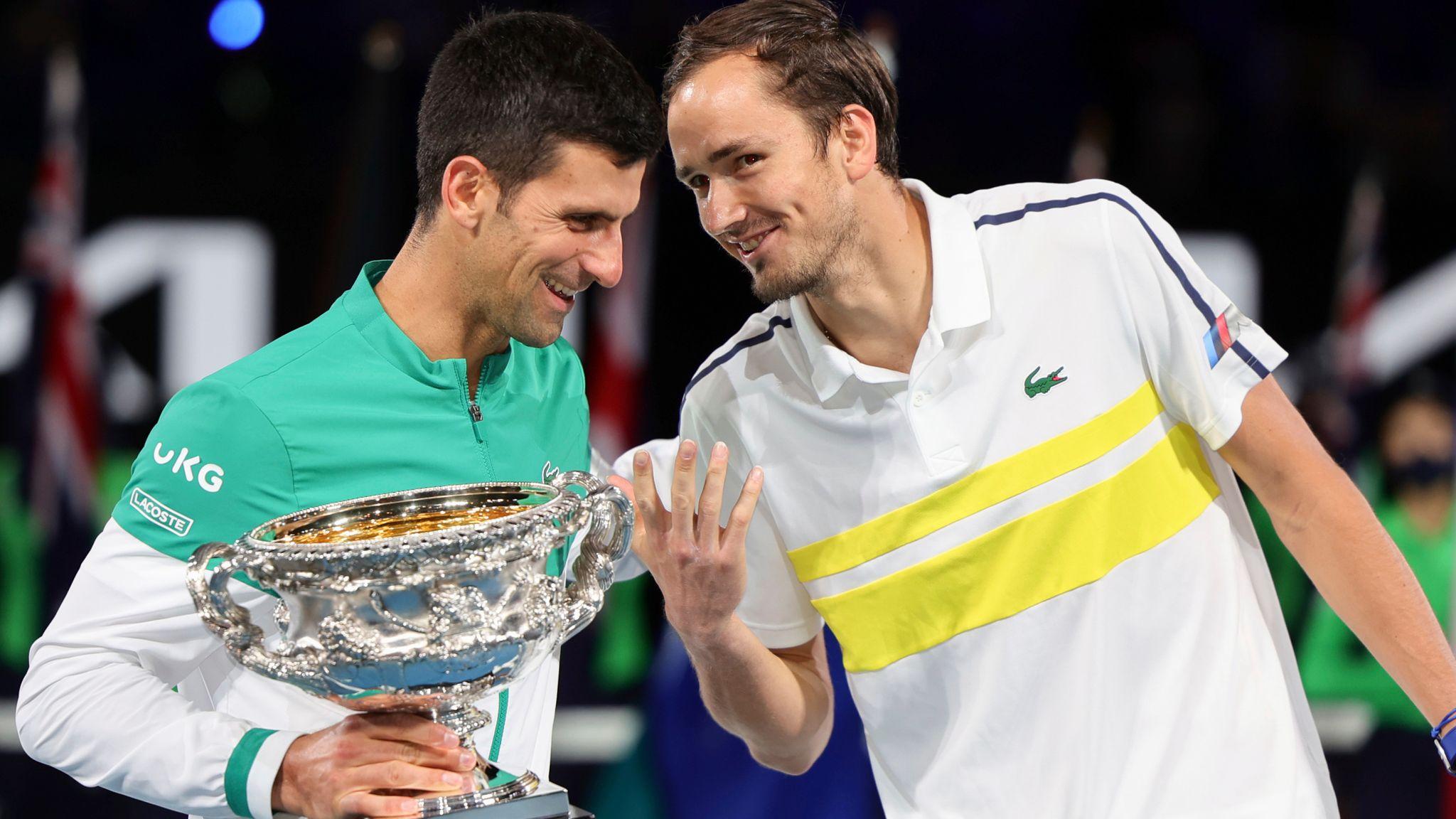 Медведев стал третьей ракеткой мира, Карацев переместился на 72 позиции вверх в рейтинге АТР