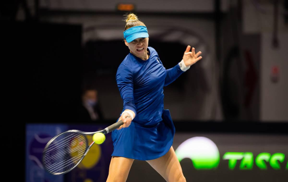 Звонарева вышла в полуфинал турнира WTA в Санкт-Петербурге