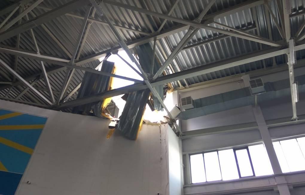 В Кирове во время детских соревнований по лёгкой атлетике обрушилась крыша спорткомплекса