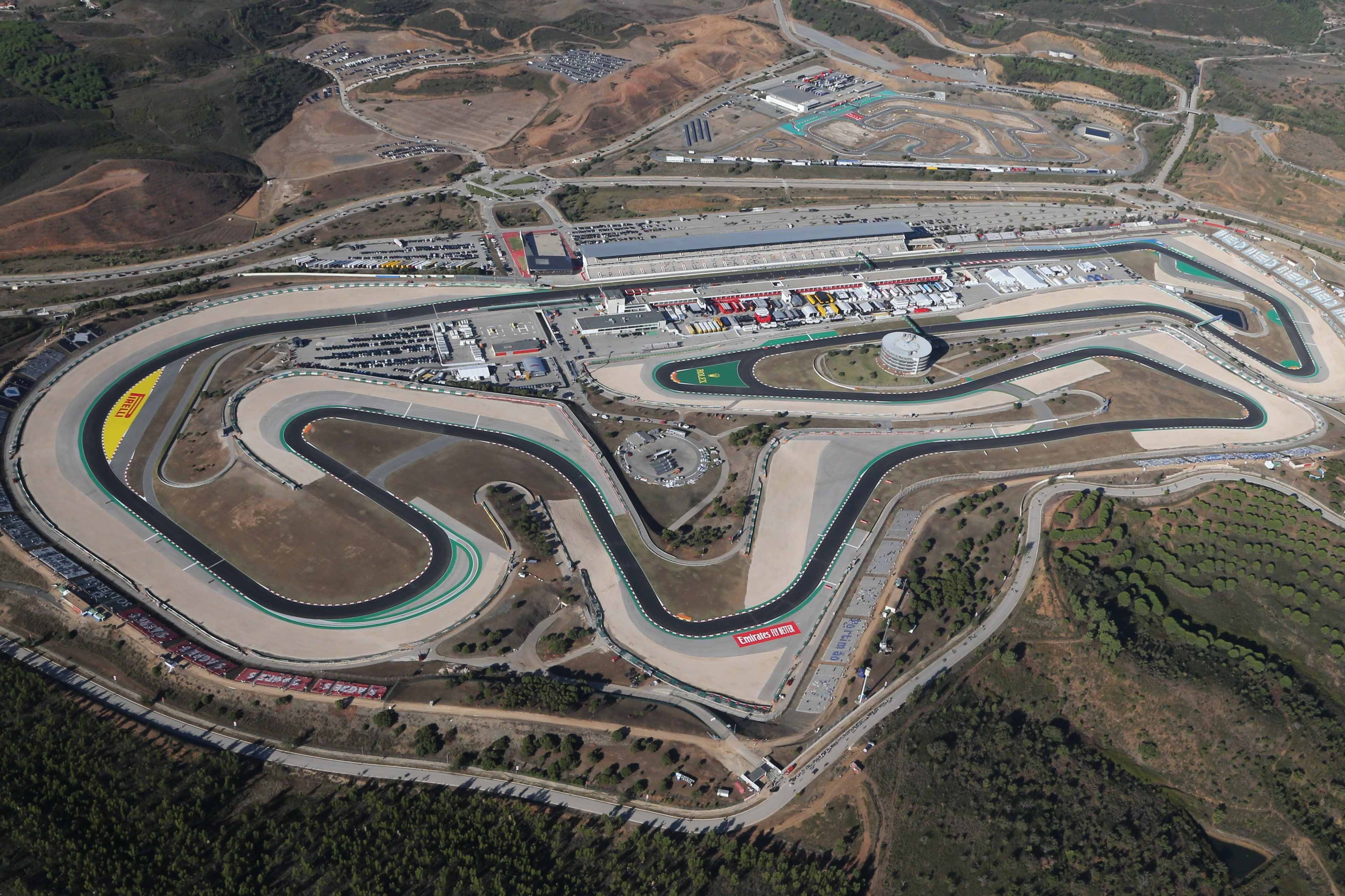 Хэмилтон или Ферстаппен: кто победит на Гран-при Португалии?