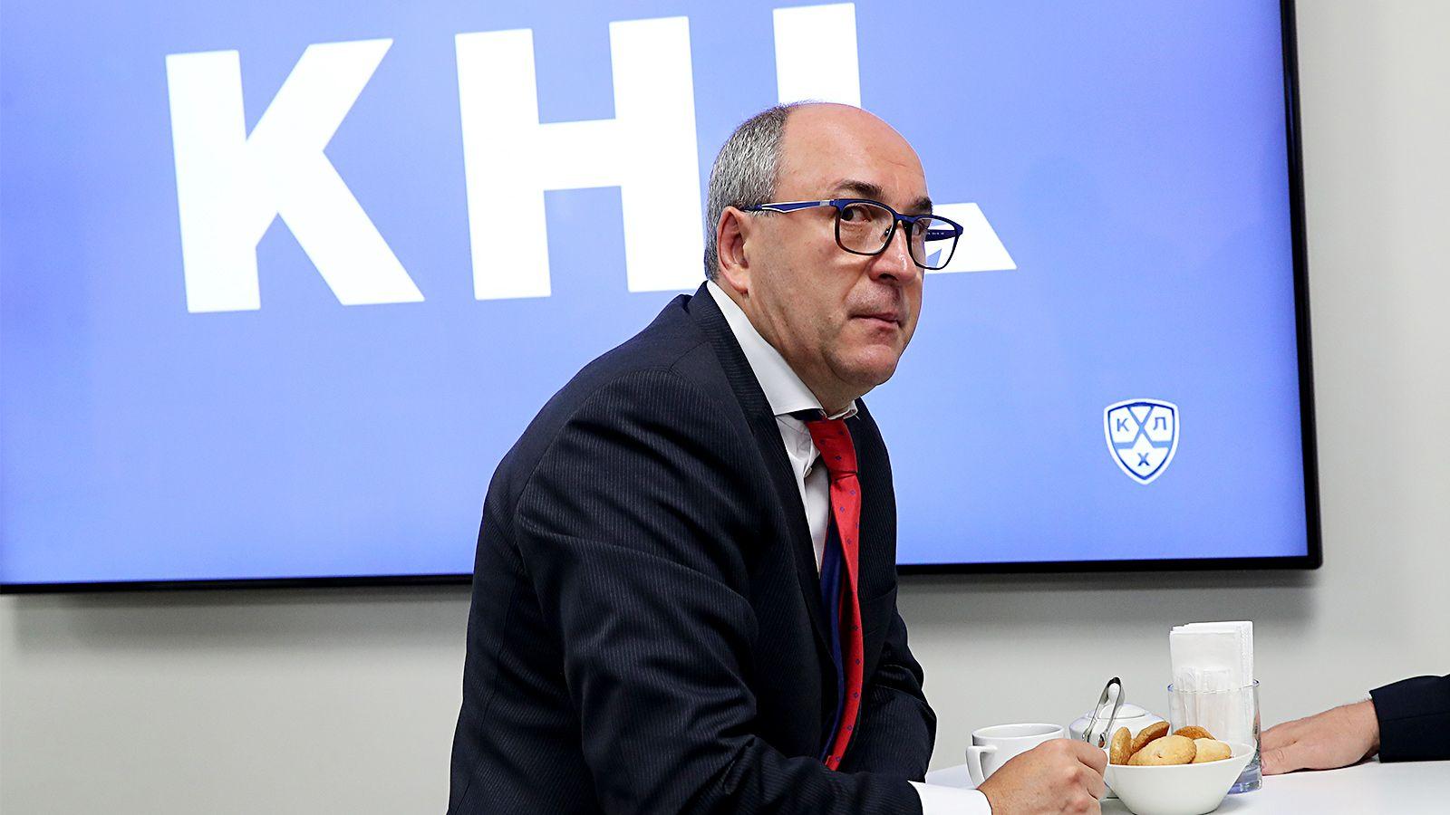 Путин наградил орденом президента ЦСКА Есмантовича