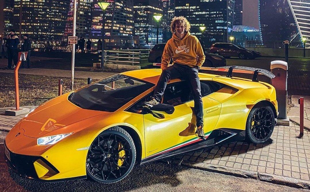 Крал и Lamborghini