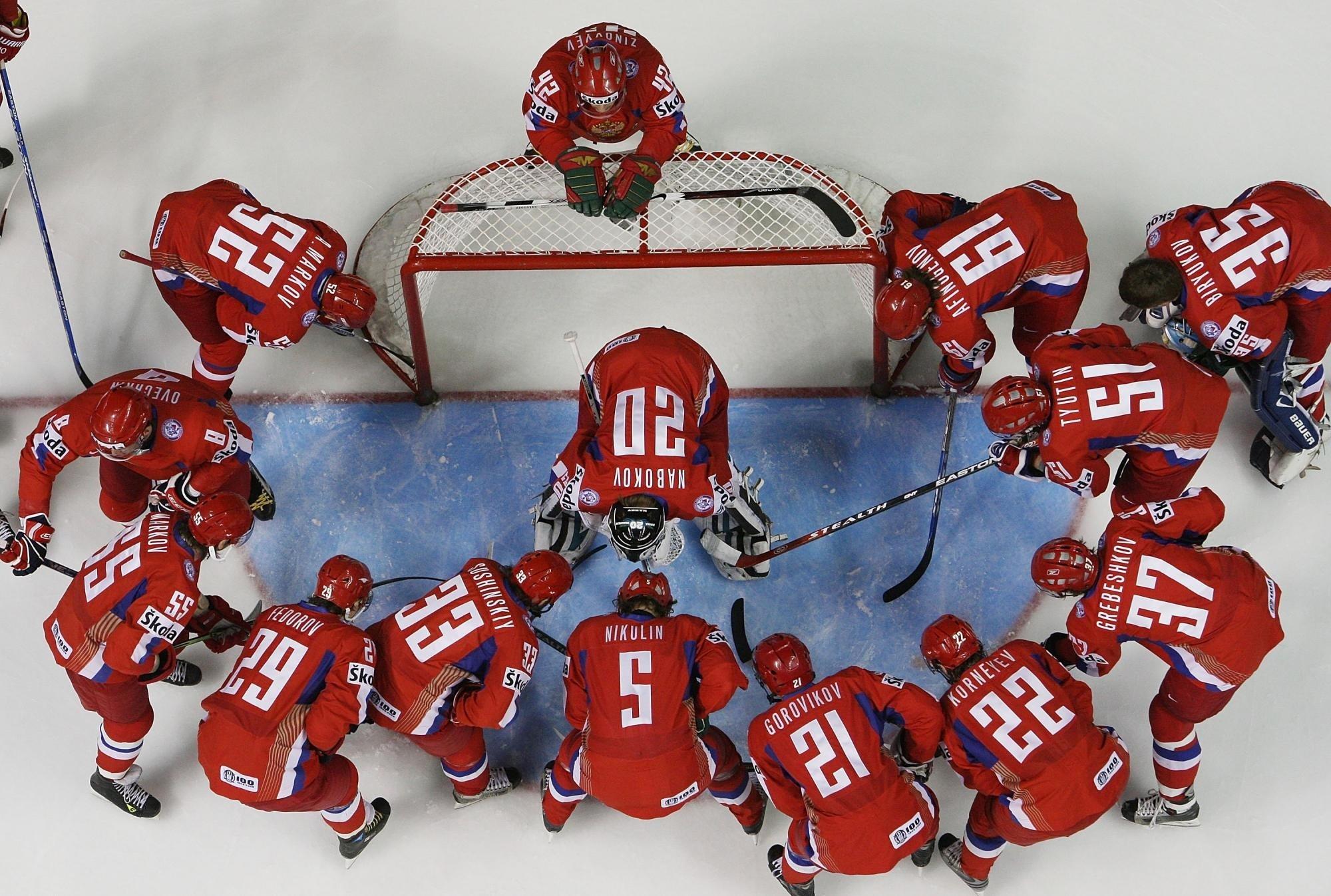 Шесть хоккеистов покинули расположение сборной России
