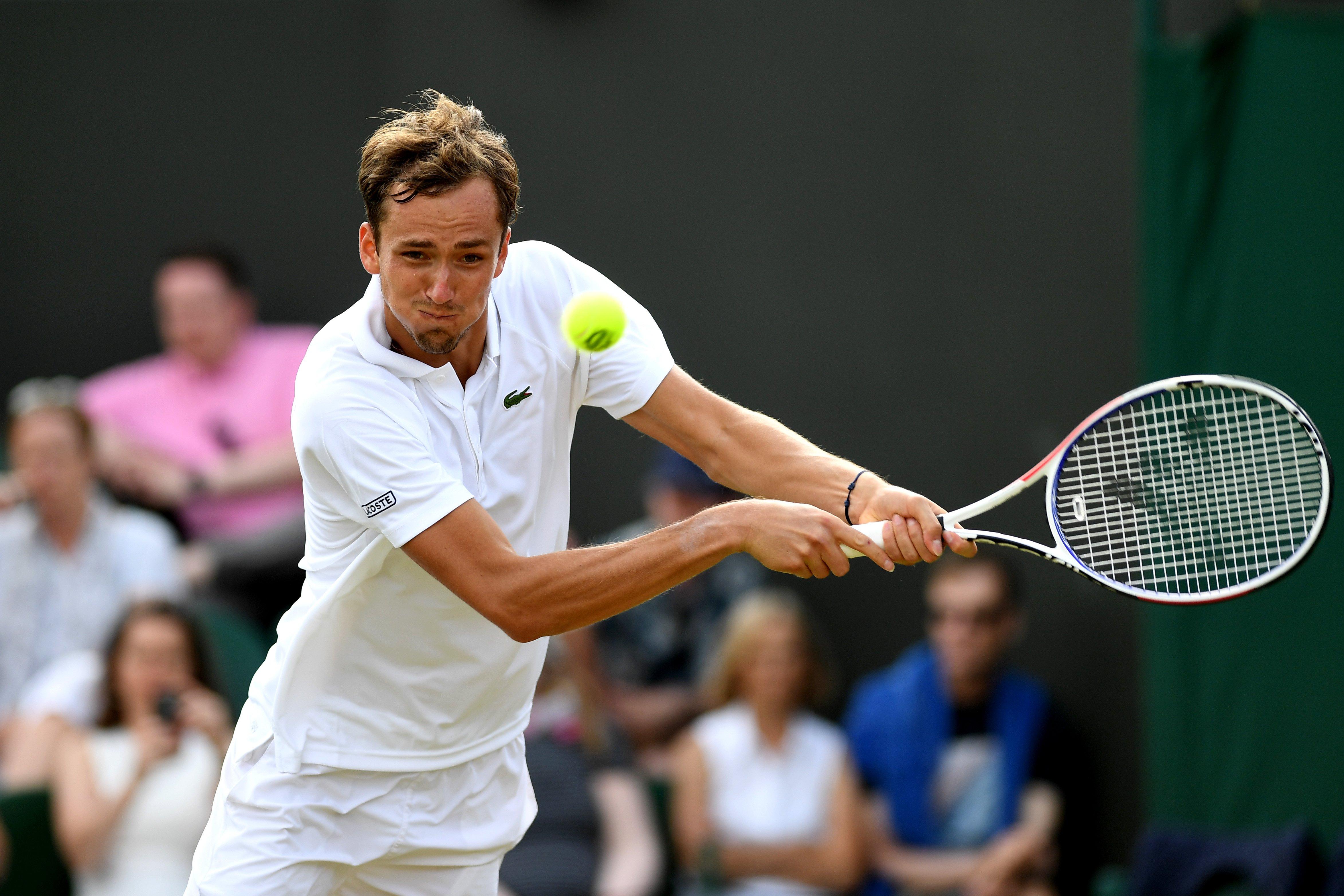 Медведев вышел во второй круг «Ролан Гаррос»