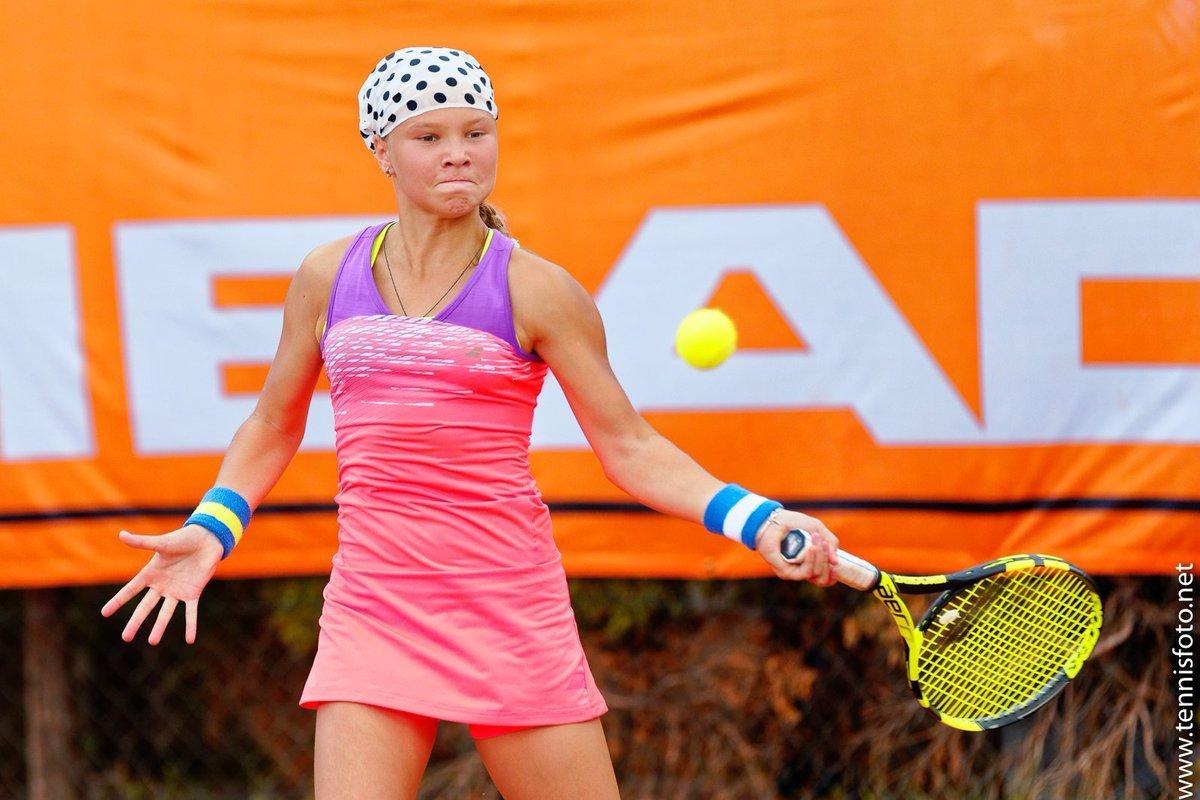 Российская теннисистка Шнайдер проиграла в полуфинале юниорского «Ролан Гаррос»