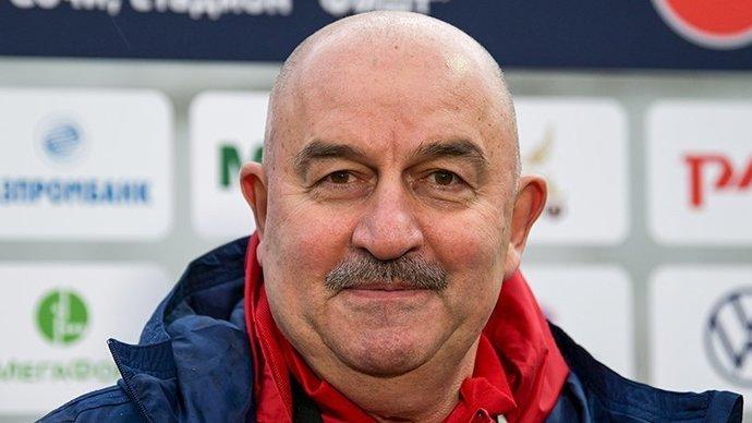 Стала известна зарплата Черчесова в сборной России