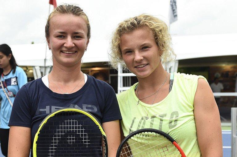 Крейчикова стала первой теннисисткой с 2001 года, сумевшей взять оба титула на «Ролан Гаррос»
