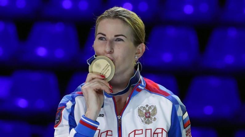 Рапиристка Дериглазова завоевала серебряную медаль Олимпиады в Токио