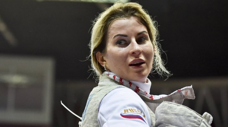 Рапиристка Дериглазова вышла в финал олимпийского турнира в Токио