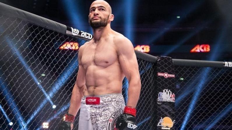 Российский боец Дураев подписал контракт с UFC, выиграв в отборочном шоу