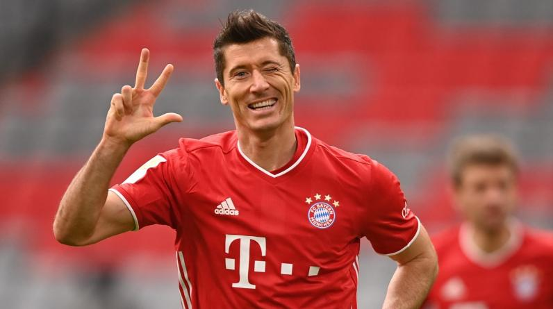 «Бавария» разгромила «Барселону» благодаря дублю Левандовски
